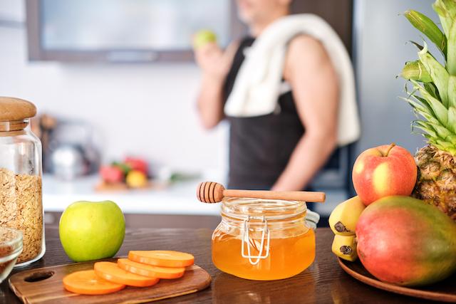 食後すぐや空腹時に筋トレをしたい時の対処法