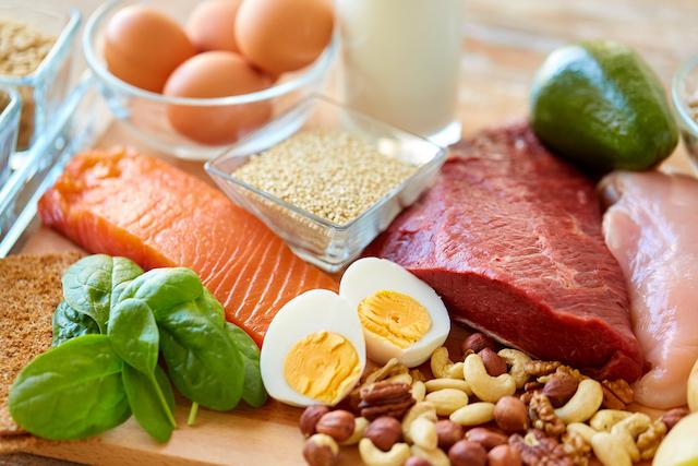 高タンパク低カロリーの食事を心がける