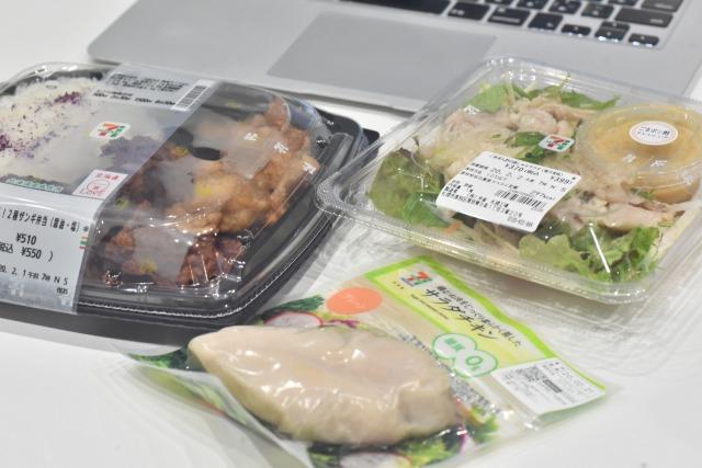 昼食におすすめのコンビニ献立