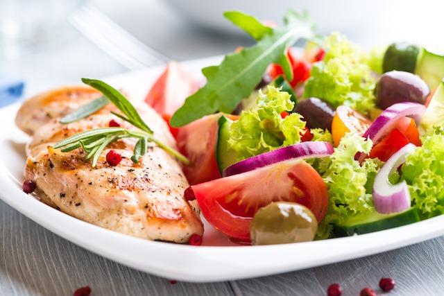 増やす行動1. 栄養バランスの良い食事を摂る