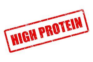 コンビニで高タンパク質の食品を買う際の注意点