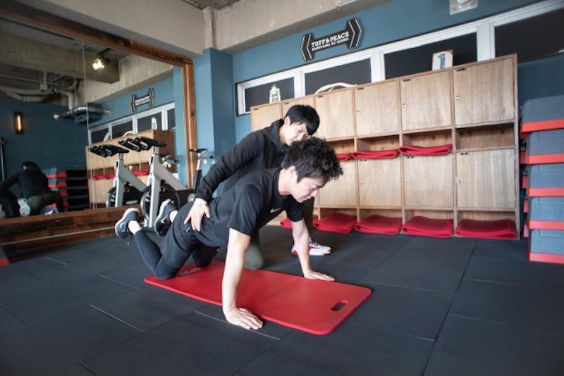 腕立て伏せができない人向け。できるようになる練習法