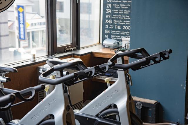 【プロ監修】エアロバイクは効果がない?正しいやり方とコツを徹底解説