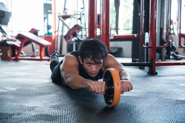 腹筋ローラーは週2~3回が効果的