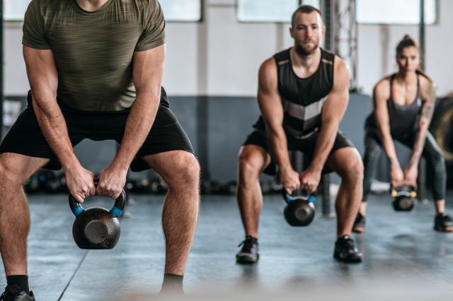 筋トレで体を鍛える