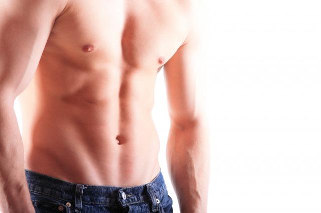 腹筋ローラーだけで腹筋を割るのは難しい