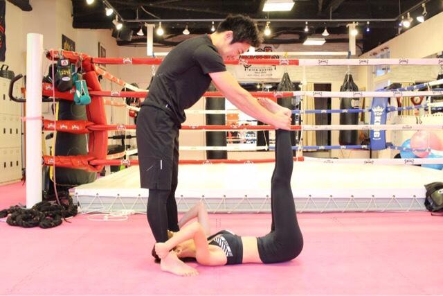 1. 腹筋を鍛える|パワーレッグレイズ