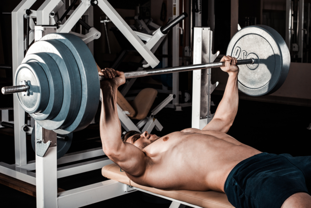 【ベンチプレスのやり方】基本フォームの見直しで高重量を上げる!