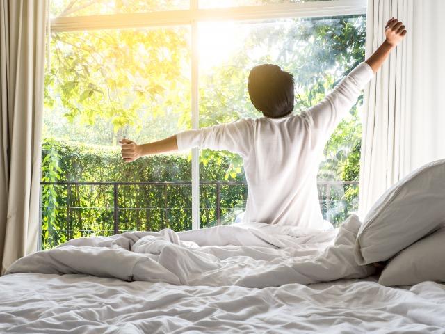 寝る前のストレッチは良くない?快眠に効果的な10分ストレッチをご紹介