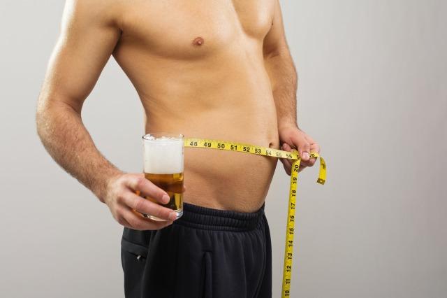 ビール腹を解消するには? あなたの知らない「お酒」と「運動」の秘密