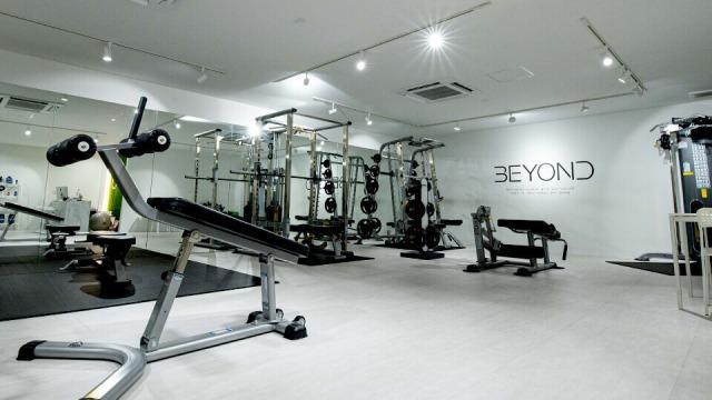 洗練されたトレーニング空間