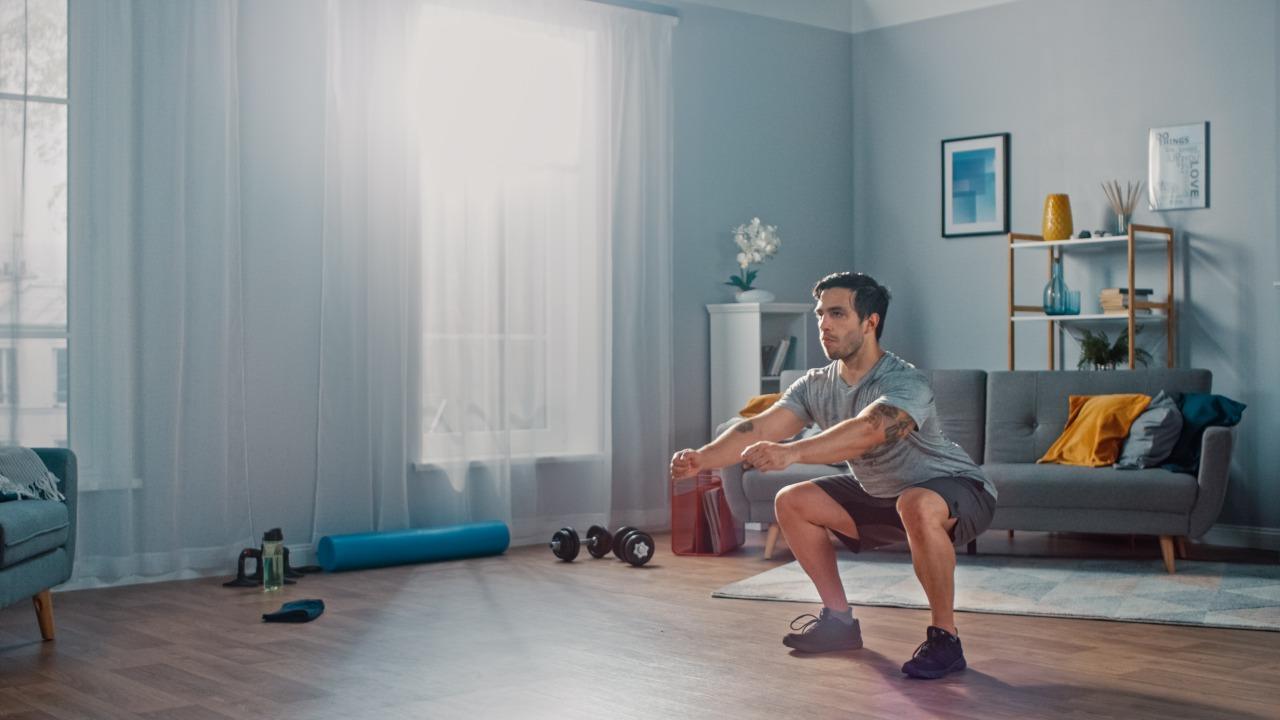 内転筋を鍛える筋トレメニュー|器具なしで自宅でできる太ももトレーニング