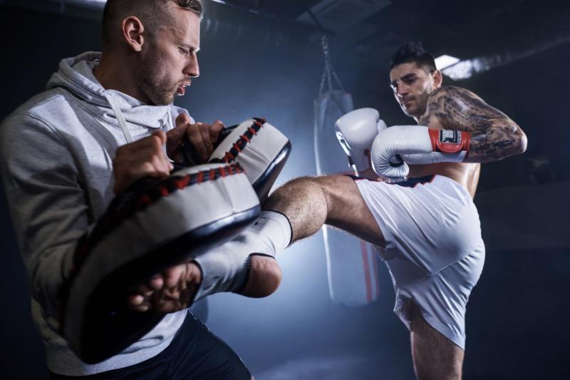 キックボクシング専門ジム|強くなりたい人向け