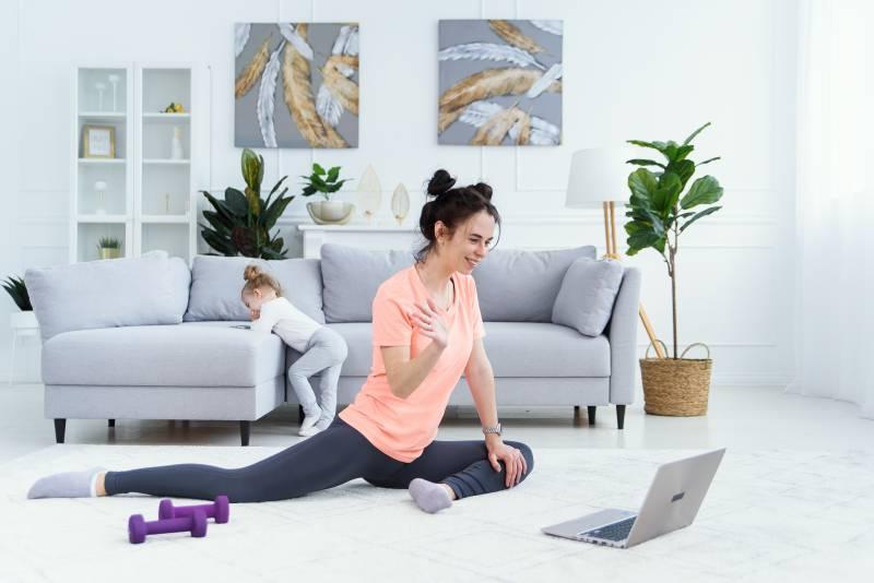 女性におすすめのオンラインパーソナルトレーニング4選|選び方も解説