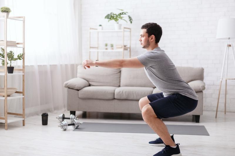 スクワット 強靭な足腰を手に入れる筋トレ