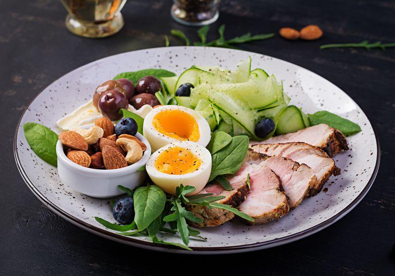 外食で筋トレ飯を選ぶときの注意点