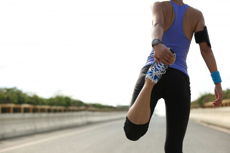 膝の痛みを防ぐ大腿四頭筋のストレッチ