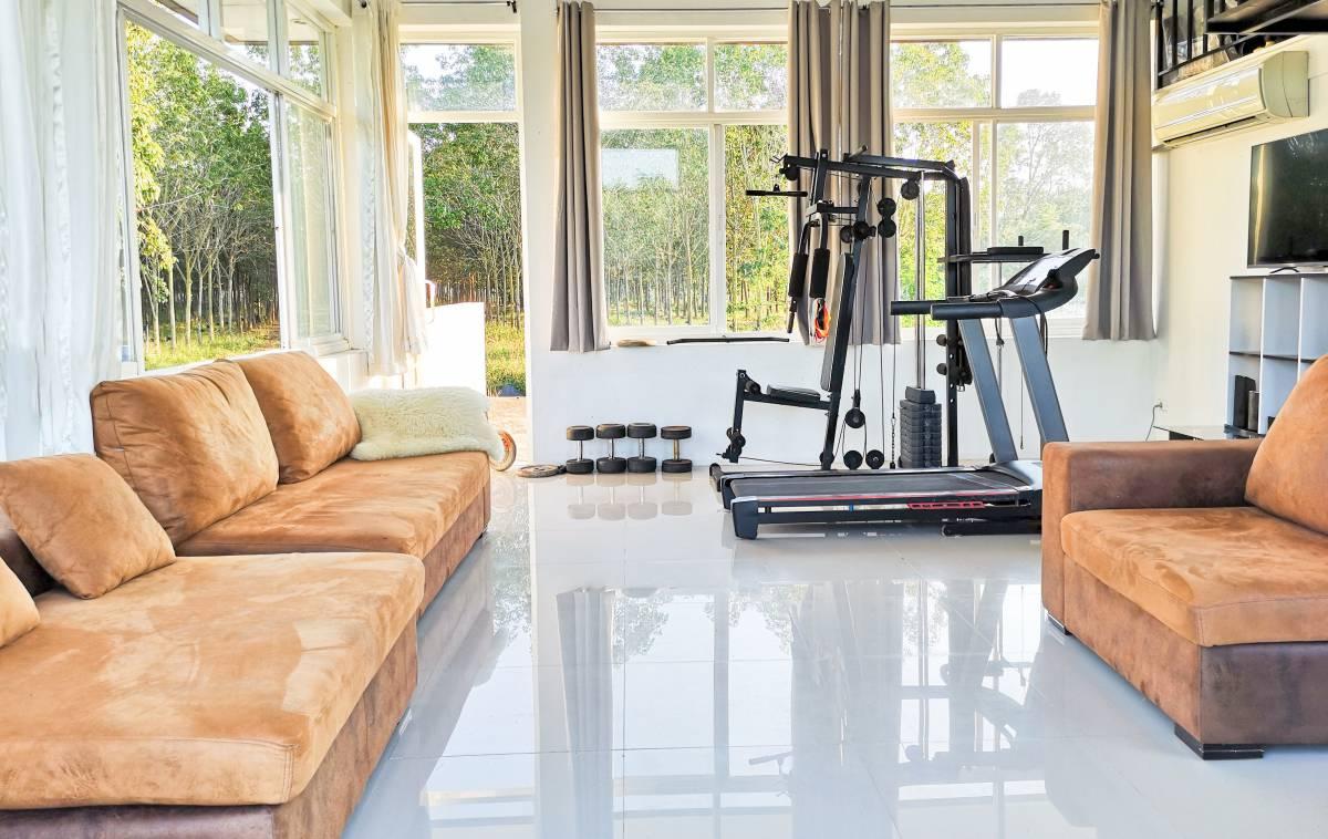 家トレにおすすめのトレーニング器具9選。背中を鍛える器具も掲載