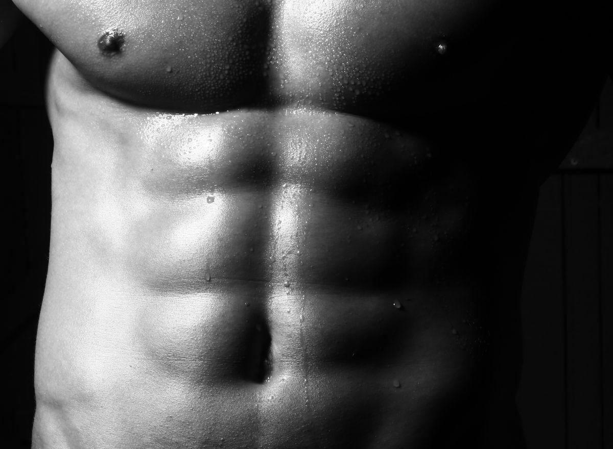 細マッチョになるには腹筋を鍛えろ。シックスパックを作る筋トレメニュー6選