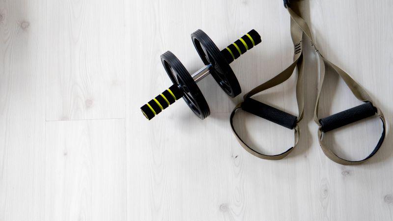 腹筋ローラーを正しく使えば、必ず腹筋を割ることができる