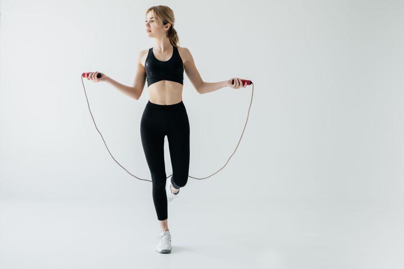 太もも痩せに効果的な跳び方