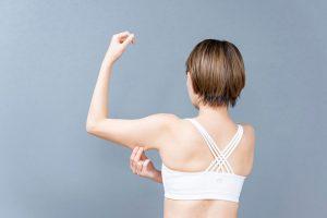 二の腕の引き締めにはストレッチやマッサージも効果的