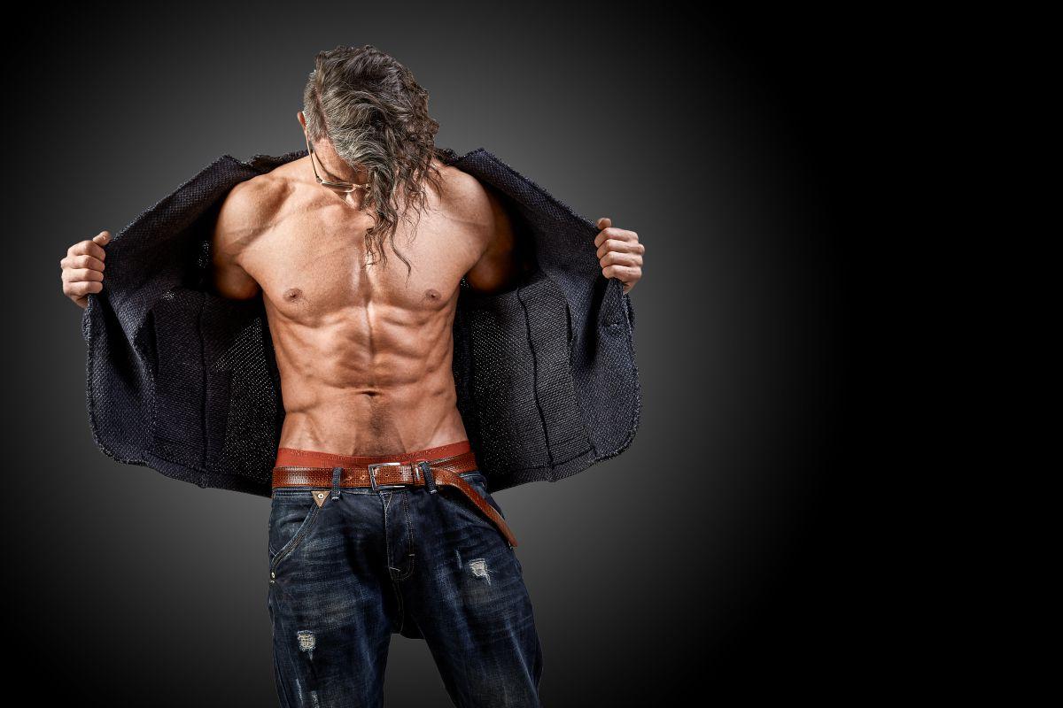 細マッチョの肉体は最高のファッションである。男のカッコ良さを演出する筋肉部位とは?