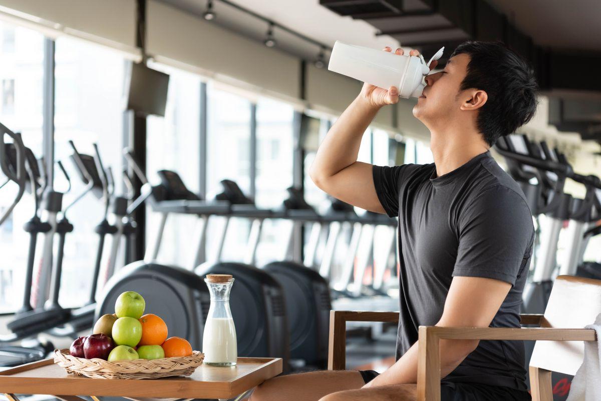 減量したいなら筋トレと食事をコントロールせよ。食事メニュー例も掲載