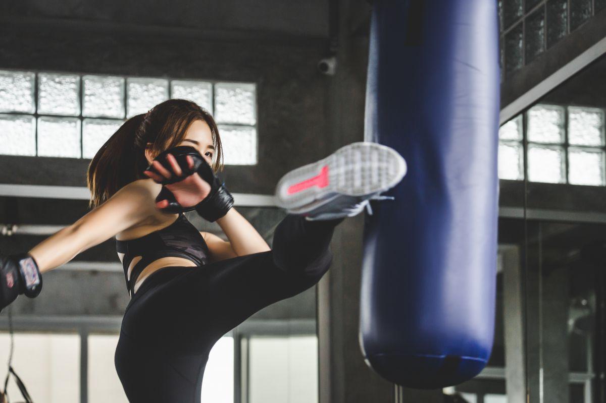 キックボクシングの脚やせ効果とは?初心者のNG習慣と脚やせのコツ