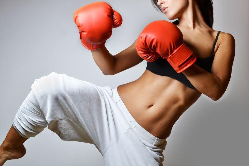 キックボクシングで脚やせを目指す蹴り方のコツ