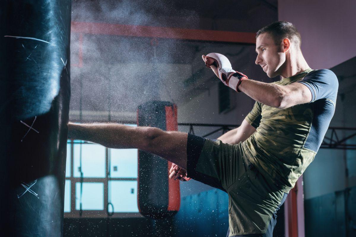 キックボクシングに効果的な筋トレメニュー8選。全身の筋持久力を上げろ!