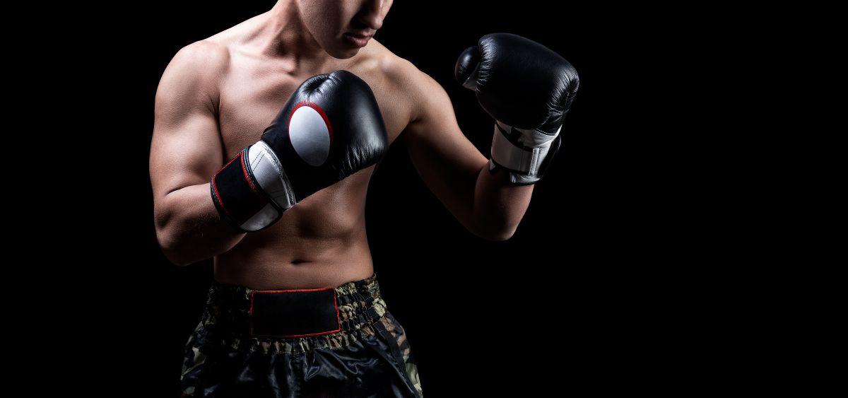 キックボクシングの「構え」の種類を解説。メリット・デメリット比較