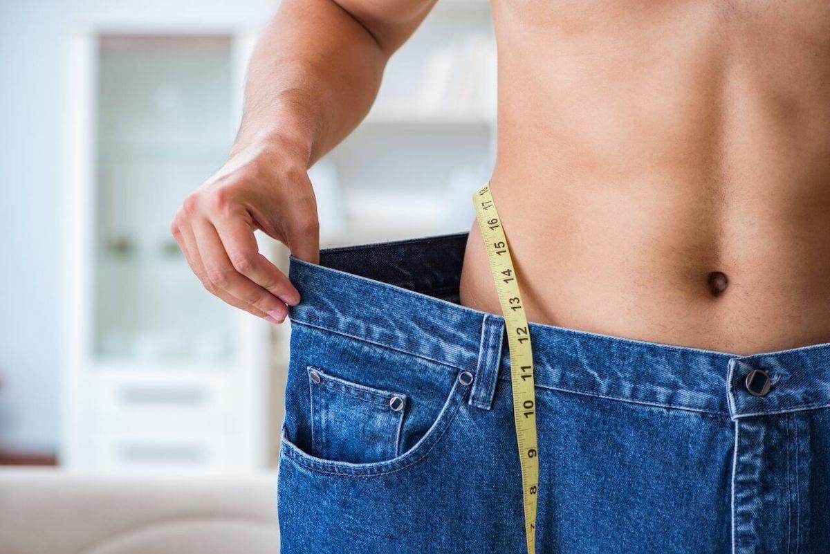 男性の筋トレダイエット成功事例を紹介。おすすめの筋トレメニューや食事内容も解説