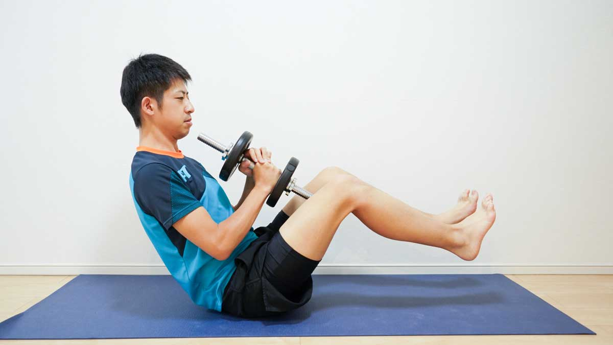腹斜筋を効果的に鍛える筋トレメニュー9選。自重・ダンベルメニュー掲載